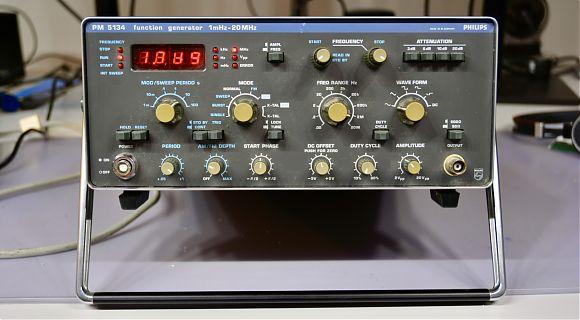Funktionsgenerator Philips PM 5134